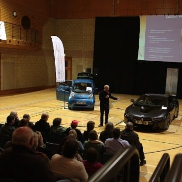Robert Llewellyn at the Orkney Electric Vehicle Show